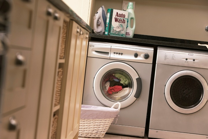 wash your clothes, don't bring home dirty clothes, ideal organizers, professional organizer