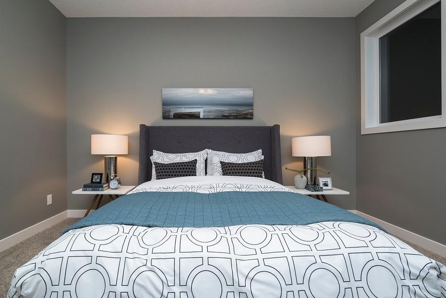 bold color bedroom